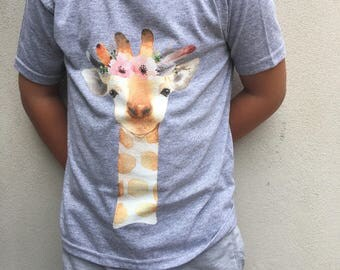 Giraffe with Flower Crown - Grey T-shirt