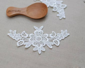 1 Pair Vintage Lace Solubility Embroidery Neckline Collar Applique Collar Flower Patch, WL843