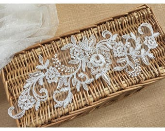 1 Pair Bridal Flower Lace Applique DIY Trim Appliques in Off-white for   Weddings, Sashes, Veils, Headpieces, WL1781