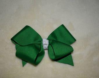 Classic green hair bow