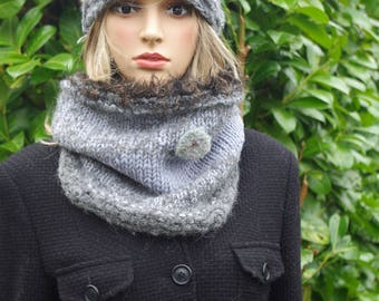 Grey Loop made of alpaca and merino wool