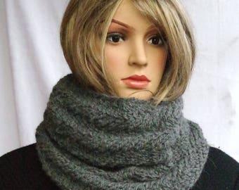 Grey loop scarf made of alpaca wool