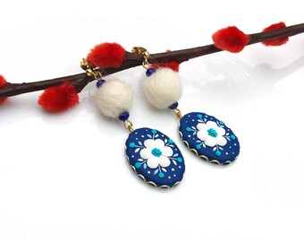 Polymer clay Jewlery of handmade earrings - Royalblue White flower  | FIFI CLAY
