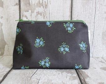 Vintage Makeup Bag. Floral Makeup Bag. Black Makeup Bag. Vintage Cosmetic Bag. Vintage Gift. Floral Zipper Pouch. 60s Gift For Her.