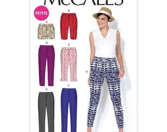 McCall's 7098 - Petite Shorts, Capris and Pants
