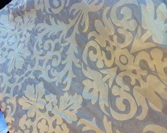 Sheer organza silky very brilliant baroque design