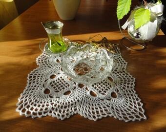White square lace doily table mat