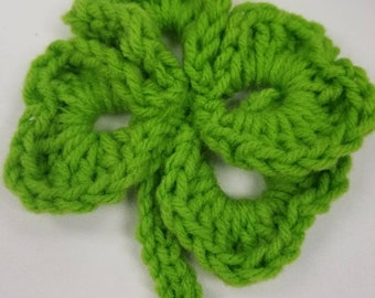 Green Shamrock pin