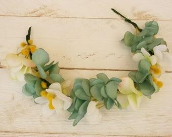 White iris and blur hydrangea flowers crown
