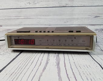 Vintage Sears Electronics Wood Panel Alarm Clock Radio Faux Wood Grain FM/AM Dual Bedside Electronic Digital Display Model 10867 Hong Kong