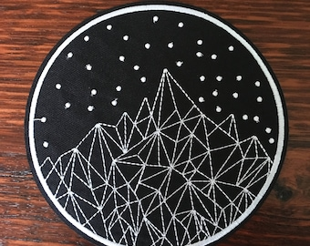 14cm Geometric Mountains - Iron on Appliqué Patch