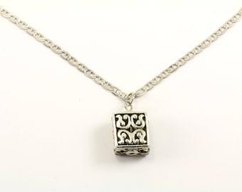Vintage Scroll Design Box Shape Pendant Necklace 925 Sterling NC 129-E