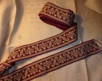 beautiful old lace or vintage 2 meters