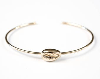 Gold cowrie in gold plated 18 k Yellow adjustable bracelet