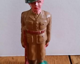 1930's World War#2 70 year old Barclay lead soldier @ attention. dimestore soldier, lead figure 99% mint