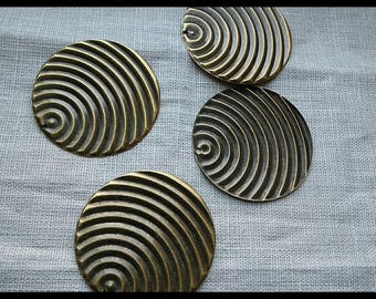 Round charm, pendant large Medallion effect wave brass 50 mm