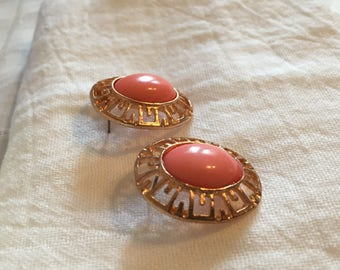 Goldtone with Peachy/ Coral Color Centers Post Earrings