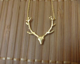 Color-Golden deer necklace