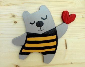 Bear decoration to hang in the children's room-wood