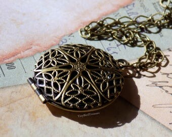 Lace Antique Brass Locket, Diamond-Shaped Chain, Lobster Clasp, Diffuser Necklace, Solid Perfume Necklace, Essential Oils
