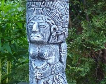 Gods of the Maya-Aztec totem-28 cm high-Steinguß-frost-figure Patina Garden Ornament Pierre Reconstituée Concrete