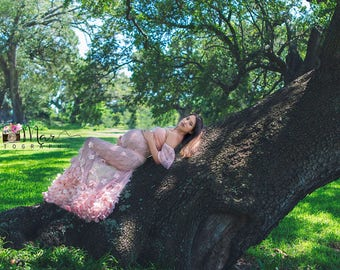 Coral Lace Maternity Dress//Maternity Dress for Photo Shoot