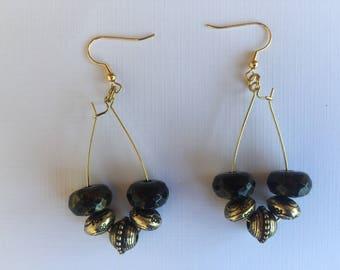 gold earring,earring,earring,long earring,beaded earring,black & gold earring,black earring,gold jewelry,jewelry,drop earring,dangle earring
