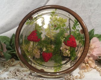 Lucite Trivet by Gamut Designs, Strawberry Pattern