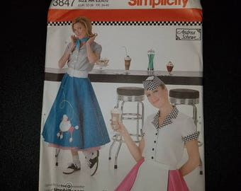 Simplicity 3847 Costume Sewing Patterns Poodle Skirt Car Hop Misses 6, 8, 10, 12 Skirt Shirt Apron Hat Halloween Costume Andrea Schewe
