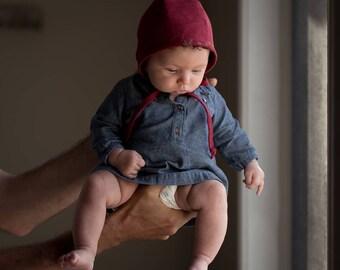 linen bonnet // baby bonnet // lace bonnet // reversible bonnet // eco-friendly // cranberry