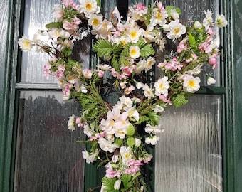 Heart wreath, heart droplet, wedding, Easter, Spring, floral wreath, decoration, decor, shabby chic, country decor, flower heart wreath