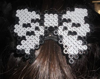 Big bow Barrette made of fuse beads.