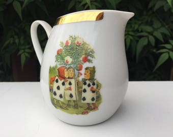 Mad Hatter. Alice in wonderland. Milk jug. Cream jug. Party. Tableware. China. Birthday
