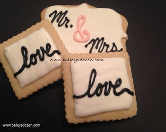 Mini square wedding favors | Mr. and Mrs. cookies | Bridal favors | I Do | Engagement | Save the date | Wedding dessert table