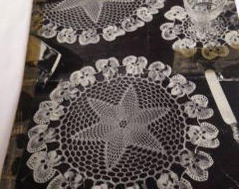 Vintage crochet pattern for Doyley set
