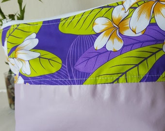 Makeup clutch Vinyl/Purple Hawaiian print