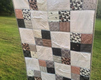 All the Pretty Horses toddler sized quilt