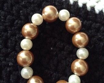 Handmade pearl-like bracelet