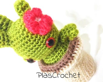 Amigurumi cactus with crochet technique. Removable with flower pot. Artificial