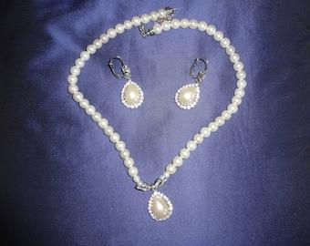 White Cream Necklace