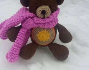 Toy bear in knit by hand