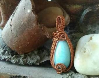 Belleza azul, hermoso dije de alambre de cobre tejido a mano con piedra semipreciosa calcedonia azul para adornar el cuello de la amad