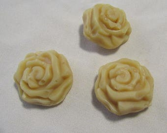 Creamy Goat Milk Soap with Real Honey - 3 Roses per order
