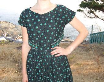 Vintage dress // vintage sundress // women's dress // tailored dress