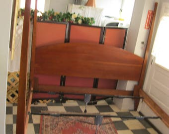 Kingsize Bed made of Cherry by Kincaid Furniture - 4 Tall Post - #00127