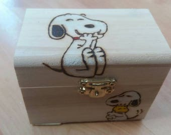 Snoopy-style wooden treasure chest gift jewellery box - can be personalised if required