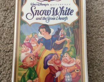 Snow White Masterpiece Collection original clamshell case