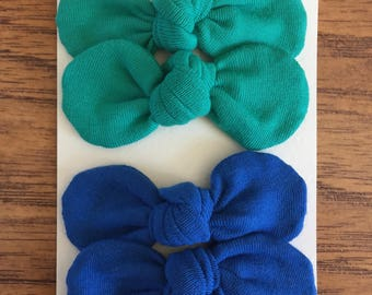 "3"" Bows with alligator clips."
