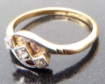 Vintage 18ct Yellow & White Gold Three Stone Diamond Ring