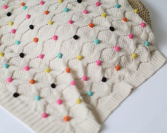 Gorgeous 100% cotton baby knit blanket with color balls/pom poms